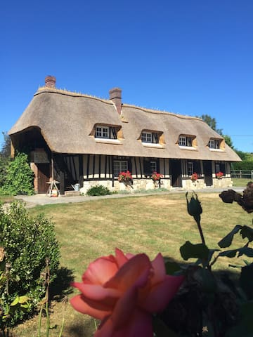 Grande chaumière normande - Écaquelon - Casa