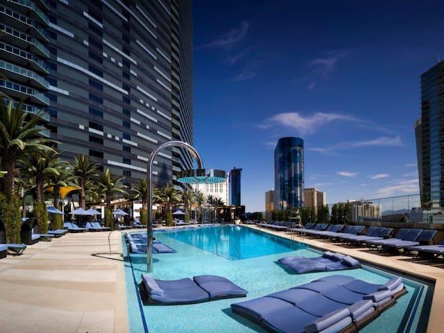 2BR Center Strip/Bellagio FOUNTAINS View - Las Vegas - Departamento