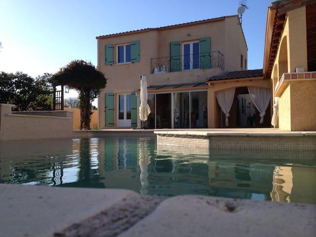 maison avec piscine et pool house - Saint-André-de-Sangonis - Casa