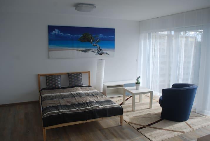 Large apartment in best location with view - Böblingen - Apartemen