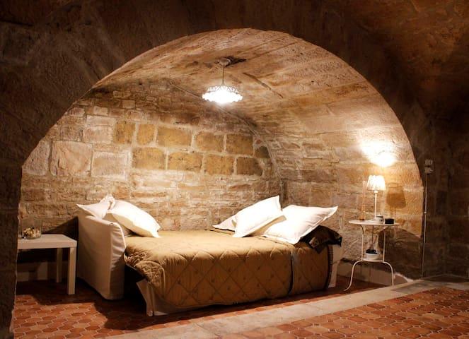 IL CIDDARO - casa ipogea - Corato - Пещера