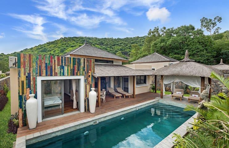 Komaneka Villas One bedroom private pool - Black River