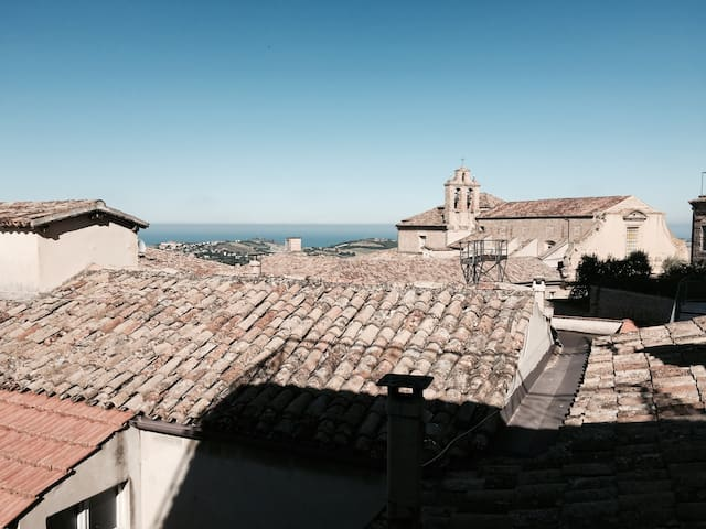Charming house with a stunning view - Fermo - Ev