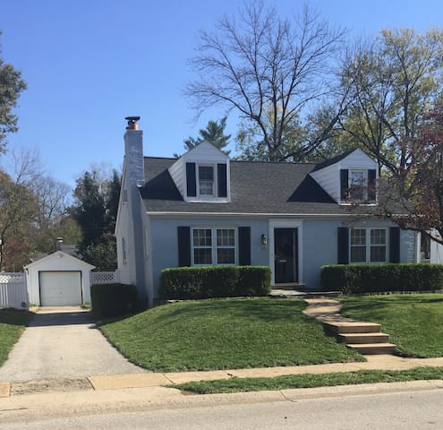 Charming 3 bedroom home in Ladue - St. Louis - House