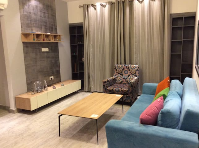 Private Room with Attached Bathroom - Muskat - Daire