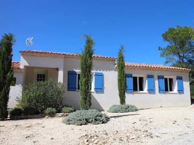 Maison indépendante avec jardin - Parignargues - Casa