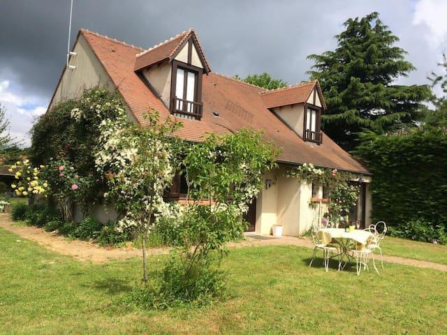 Grande maison à la campagne à 35 min de Paris - Torfou - Ev