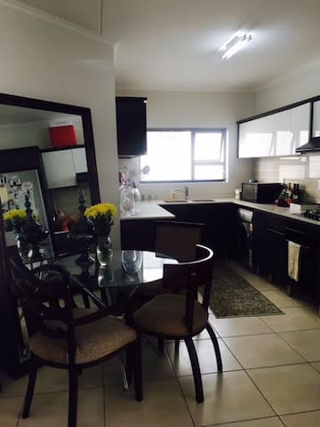 Beautiful cosy home in Greenstone, Johannesburg - Lethabong - Appartement