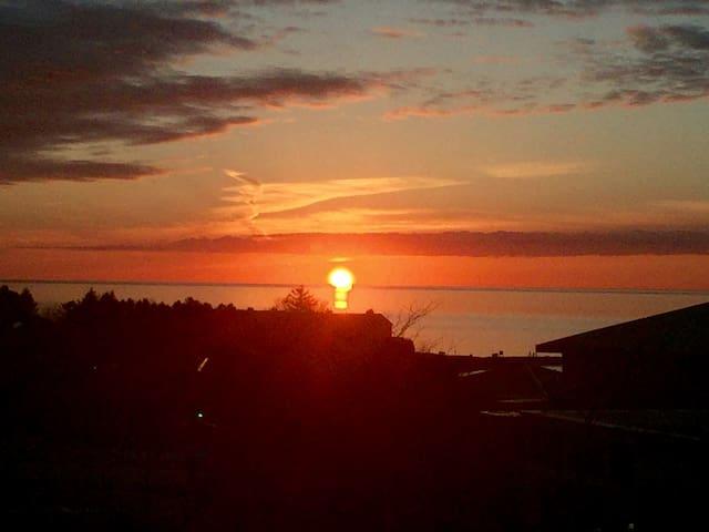 Sunset Glory - Petoskey - Byt