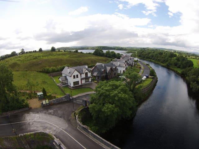 The Bridge house - Carrick-On-Shannon - Rumah