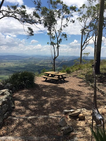 Cliff Top Wilderness Spa Lodge - Fishers Hill