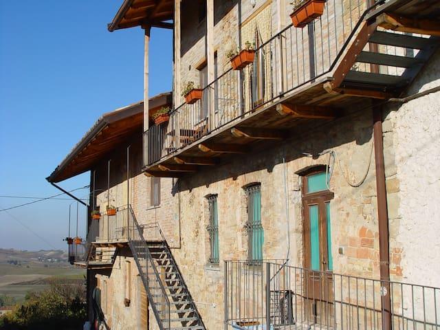 Appartamenti rurali tra i vigneti - Montale Celli - Appartement