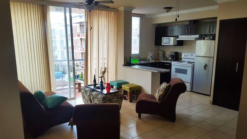 Private room in quaint apartment - 特古西加爾巴 - 公寓