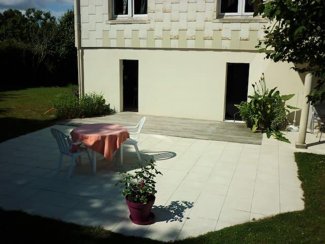 Studio avec terrasse - Saint-Viaud - Huis