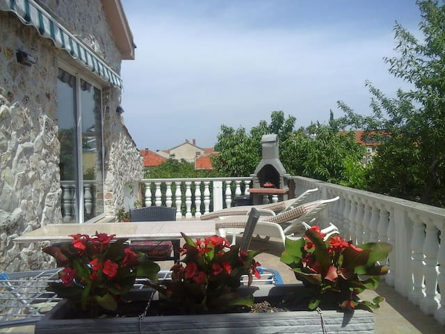 Lovely apartment for 2 persons - Biograd na Moru - Daire