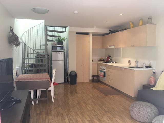 City fringe - short walk to Newtown - Camperdown - Apartemen