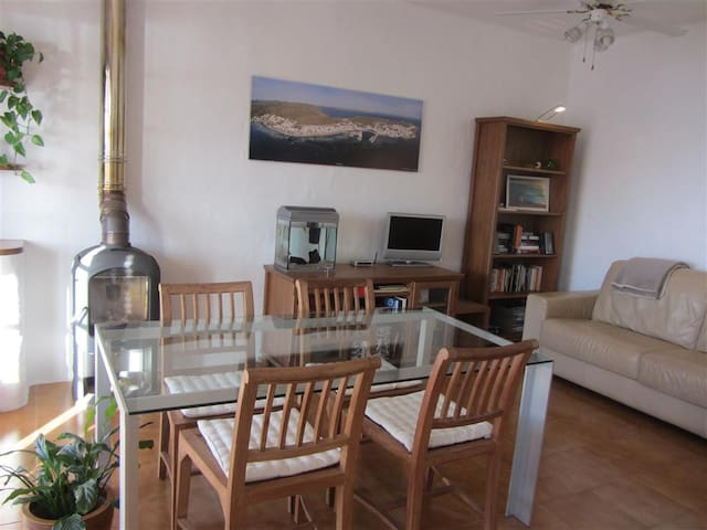 Peaceful, comfortable apartment with sea views - Es Mercadal - Huoneisto