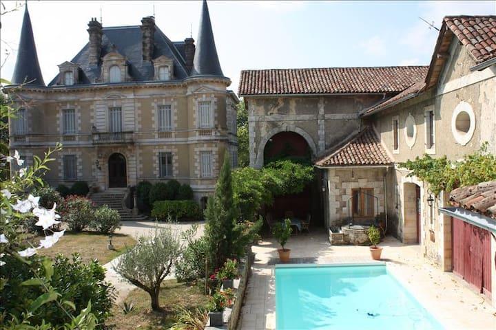 Bed&breakfast au Chateau - Habas - Bed & Breakfast