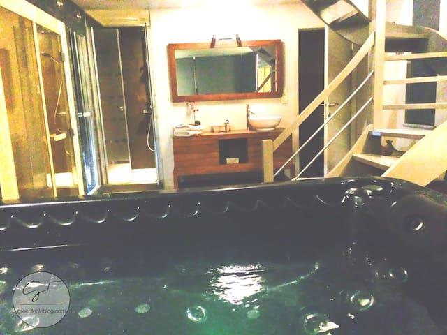 La Suite de Daphné avec jacuzzi, sauna et hammam! - Fosses-la-Ville - Szoba reggelivel