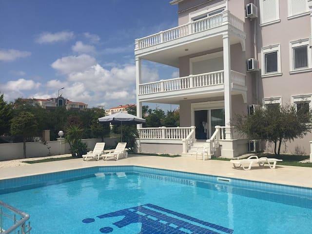 Beautiful poolside apartment - Belek
