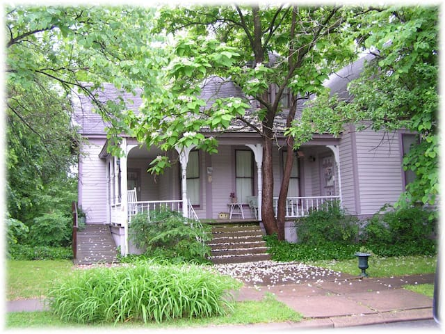 Carleton Casual House - Bonham - Bed & Breakfast