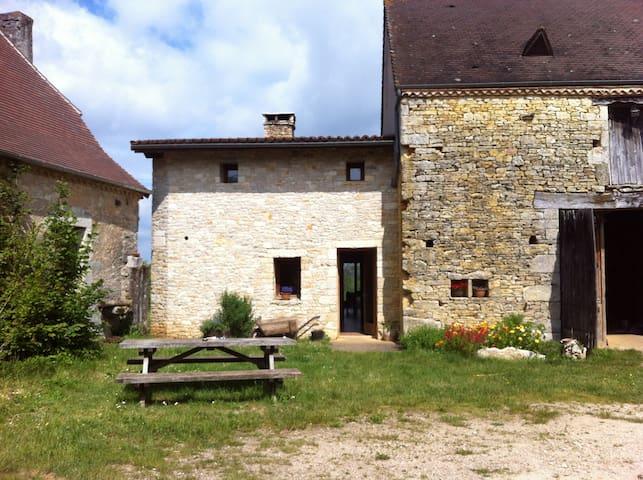 Chambre d'hôte à la ferme (B) - Tourtoirac