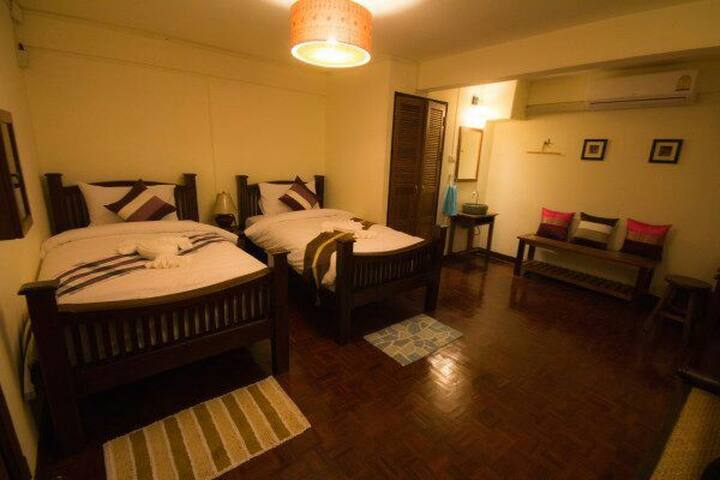 Twin bed with breakfast chiang mai - Chiang Mai - Bed & Breakfast