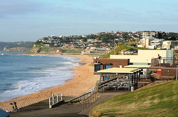 Beach house at Merewether, NSW - Merewether - Departamento