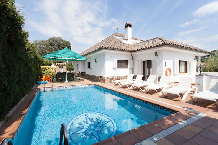 The best Villa you could find for your holidays - Cabrils
