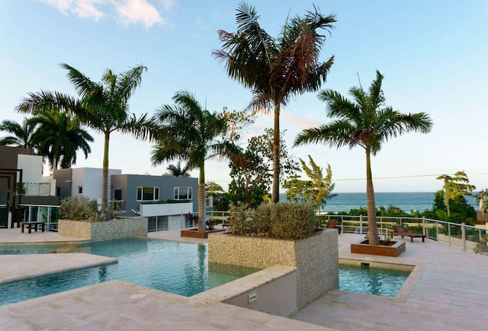 1 bedroom Miramar condo - Montego Bay