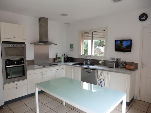 Spacieuse Villa 138m² - Ginestas - Casa