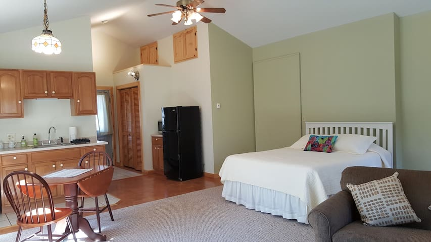The Acorn, on Knickerbocker Lake - Boothbay - Appartement