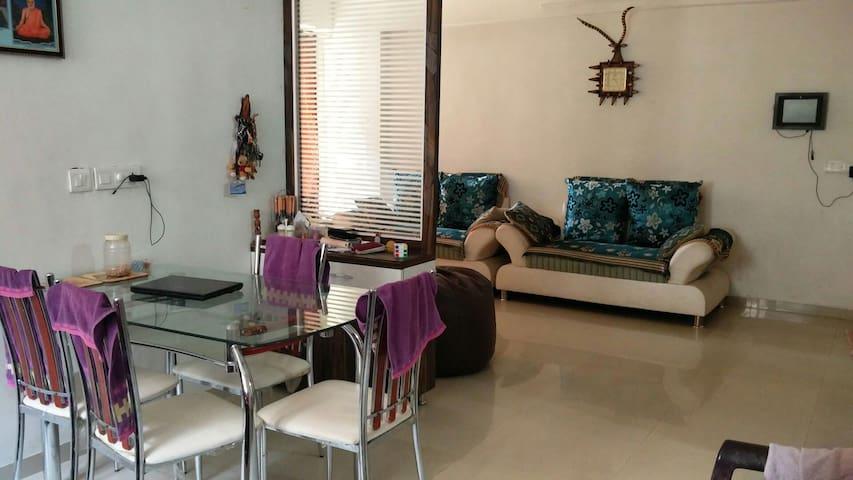 Gujju Family room - Ahmedabad - Διαμέρισμα