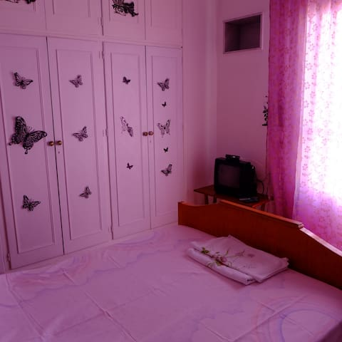 quiet and comfortable home in Ermoupolis -5 people - Ermoupoli - Inny