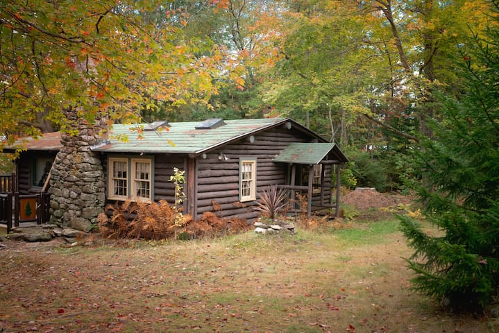 Quaint, rustic 100 year old cabin, Sprucewold, BBH - Boothbay Harbor - キャビン