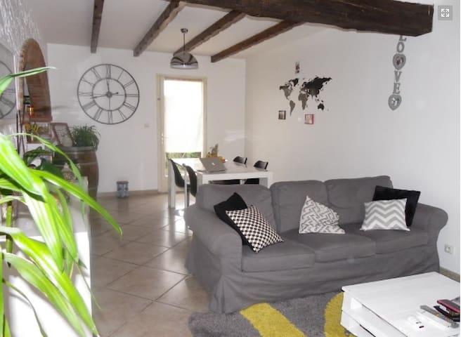 chambre dans jolie maison ensoleillée - Labarthe-sur-Lèze - Casa