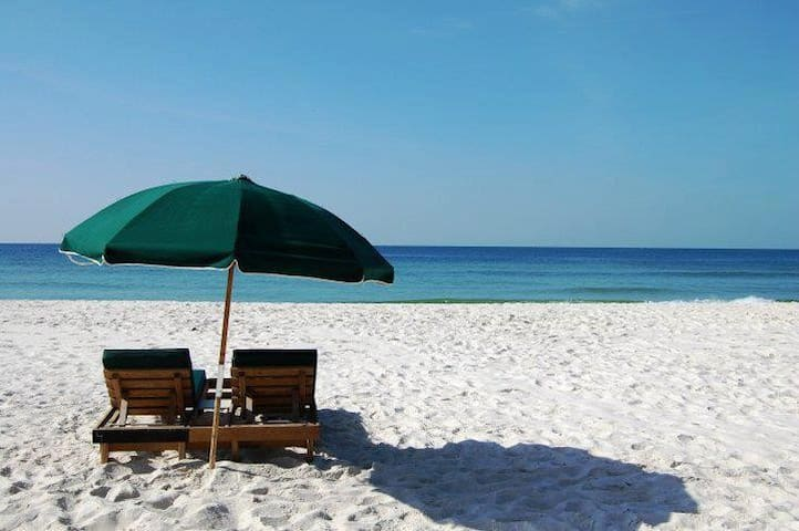 Lovely Gulf Front Condo - หาด Orange Beach