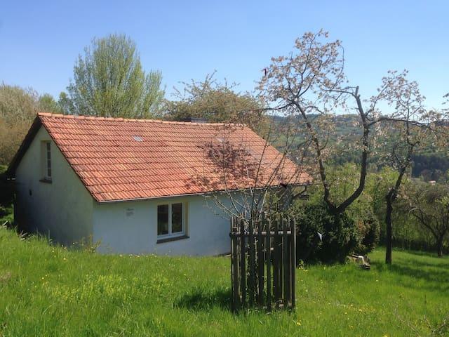 Romantische Hütte in idyllischer Natur - Spangenberg - Baraka