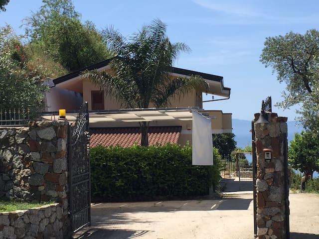 Villa bellavista: app. 4+1 ospiti. - Coccorino - Daire