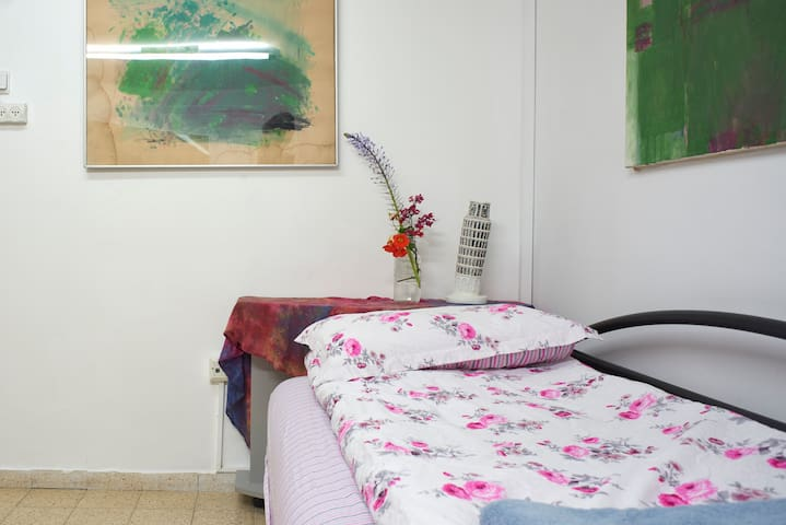Bed in 5-Bed Mixed Dormitory Room05 - Gedera - Ev