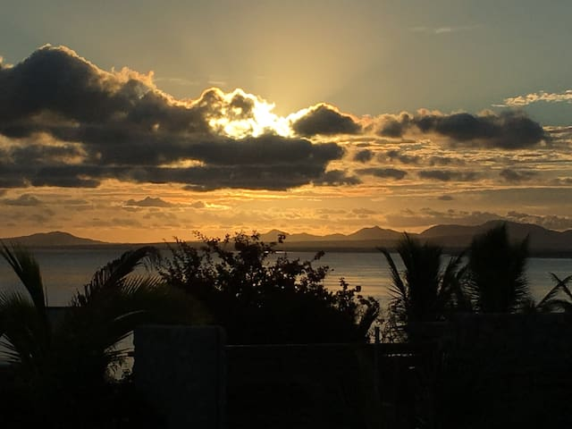 WIFI-1 BR HOUSE W/BEAUTIFUL OCEAN VIEW & HUGE LOT! - La Ventana