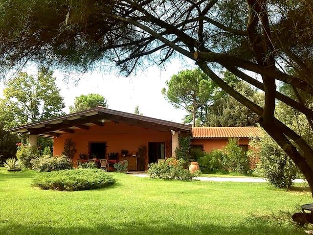 A country villa between hills, art cities and sea - Faenza - Ev