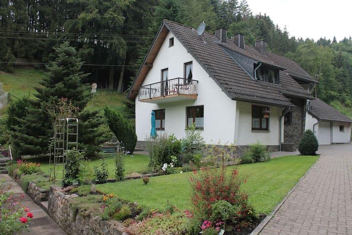 Wonderful Holiday Home  Hellenthal - Hellenthal