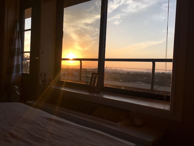 Bay Views From Your Bed - Mobile - Departamento