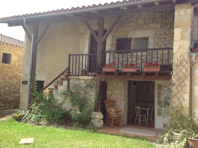 Little cottage, Homps. - Mauvezin - Hus