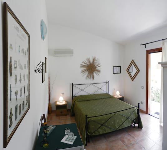 B&B Pula, independent en-suite room - Pula - Villa