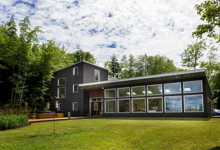 Retreat by the Cove in Nova Scotia - Mineville - Bed & Breakfast
