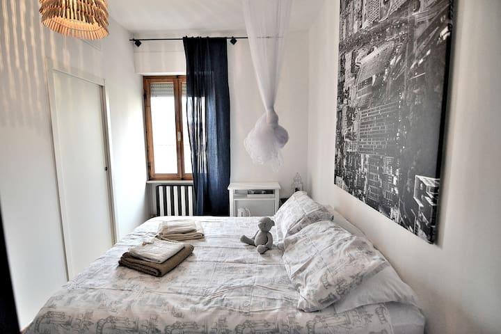 Cozy ENSUITE ROOM heart of Tuscany shared Garden - Поггибонси - Гестхаус
