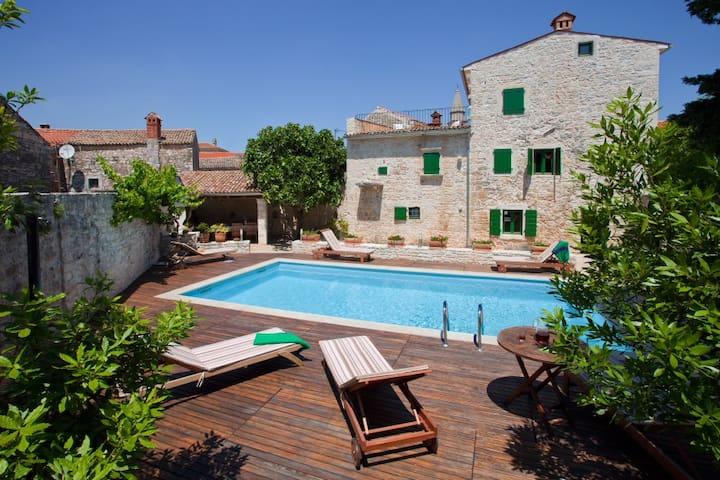 Villa with pool in southern Istria - Svetvinčenat
