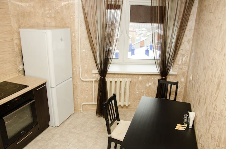 Сдаю уютную 1 комнатную квартиру! - Kirov - Appartement